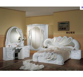 Vanity Italian White 4 Door Bedroom Package